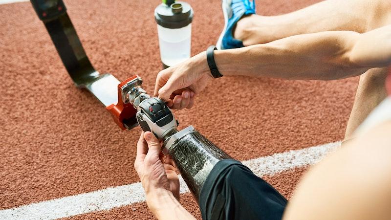 Tecnologia dos esportes paralímpicos ajuda dia a dia de pessoas com deficiência