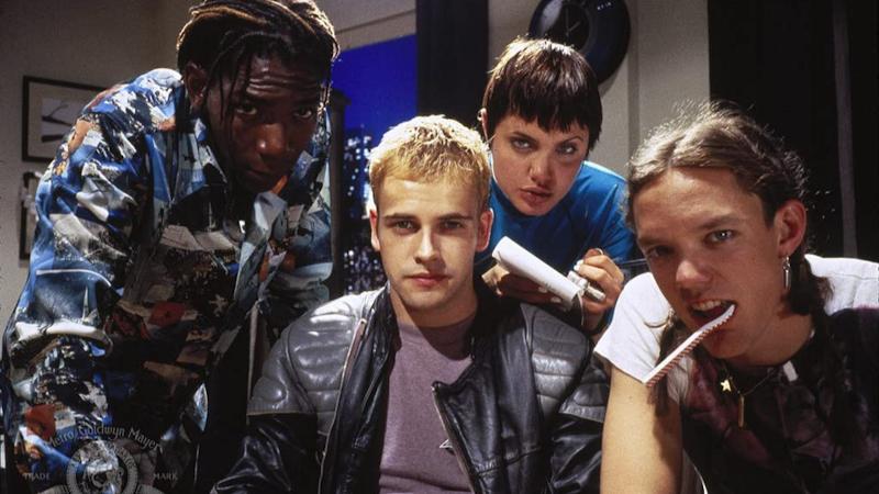 Hackers - Piratas de Computador - Um banho de anos 90